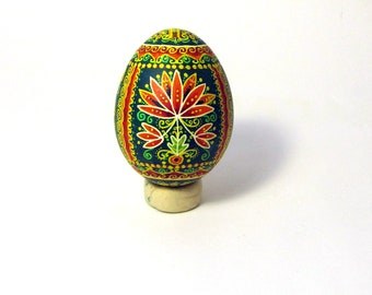 Traditional Ukrainian Easter egg Hand painted Easter egg Ukrainian Pysanka Ukrainian Easter egg Chicken pysanka Painted real egg