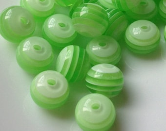 8 mm Apple Green Color Stripe Pattern Acrylic Beads (.mg)