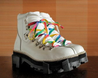 FLY London absolutely unique White Club Kid Rave Techno platform shoes Rainbow Laces chunky clubkid platform flys