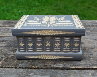 Keepsake box, Decorative box, Housewarming gift, Treasure box, Treasure chest, Wood jewelry box, Magic box, Secret opening box personalized
