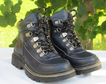 FASHION SALE Leather Hiking Boots Size 7 Winter Ankle Boots Trail Boots Winter Boots Navy Blue Leather Boots Lace-up Boots , Excellent Condi