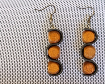 Woody  (handmade earrings from recycled bicycle inner tube and beads)