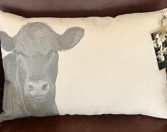Cow Pillow / Loretta
