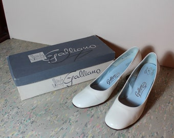 Vintage White Patent Vinyl/Leather Galliano Shoes 1960's Size 9