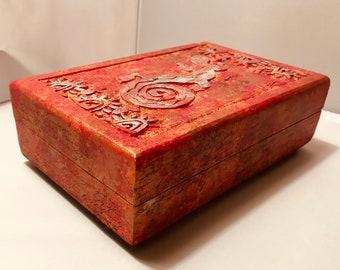 "Hand Painted Wood Box 8.5"" x 5"" x 3"""