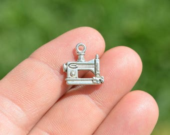 1 Silver Tone Sewing Machine Charm SC1374