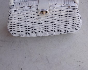 Vintage White Straw purse with handle