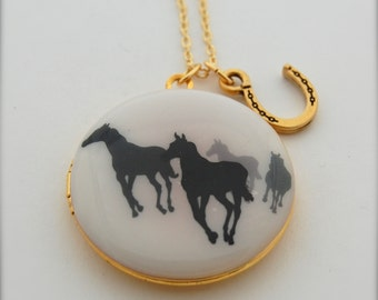 Locket Necklace Horse Horses Horseshoe Western Equestrian Vintage Gold Brass Necklace Animal Jewelry Necklaces Long Gold Charm Layering
