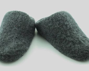 Mens MADE TO ORDER felted wool slippers, Wool slippers, Slippers, Felted slippers, Felt slippers, Non slip soles, Custom made, Gift for him