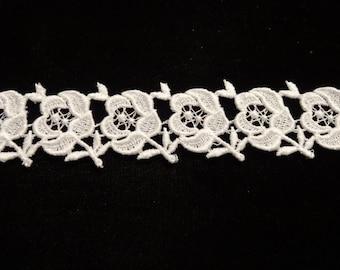 Small Cotton Flowers Venise Lace