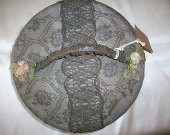 Divine antique box authentic ribbon work on metal lace 1920