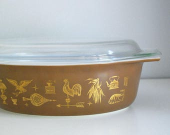 1960s Pyrex Casserole, Early American Americana, Brown Gold Serving Dish, # 045 2 1/2 Quart Covered Casserole, Country Kitchen Decor