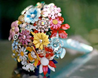 BROOCH BOUQUET RAINBOW