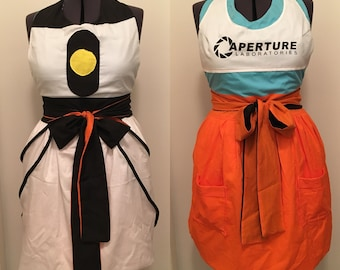 Reversible Portal 2 Chell/GLADOS Apron