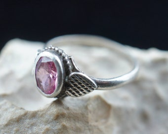 925 STERLING SILVER  Vintage Art Deco Ring with pink stone Size 9 circa minimalist Modernist Graceful st30
