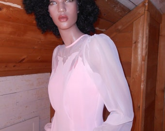 Vintage Long-Sleeved Pink Semi-Sheer Blouse/Back Button Pink Blouse with Pearls - Size M/L (11/12)