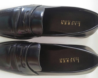 Classic Ralph Lauren Loafers gently used 7 1/2 Ladies Black leather made in Italy. Man-made sole, stacked leather heel. Vintage 70's-80's