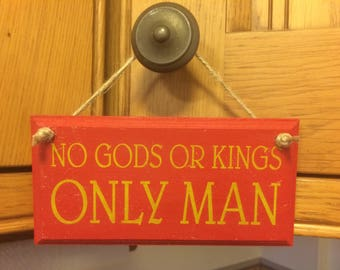 No Gods or Kings, ONLY MAN - Wooden Hanging Wall Plaque - Bioshock Inspired Andrew Ryan Big Daddy Rapture Gaming