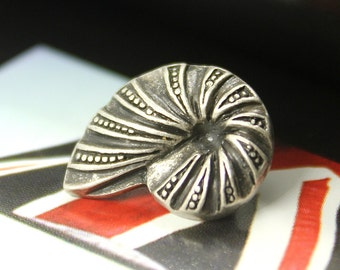 Metal Buttons - Ammonite Antique Silver Metal Shank Buttons - 0.79 inch - 6 pcs