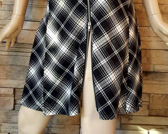 mini tartan skirt/black and white checkered skirt/retro/2 way zipper closure/women's kilt/pleated mini skirt/size XS/back to school skirt