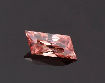FLASH SALE! Spectacular Unique Shape Pink Champagne Zircon Gemstone from Tanzania 1.34 cts.