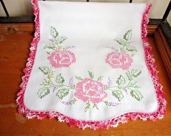 Vintage Embroidered Pink Rose Table Runner w/ Hand Crocheted Trim