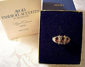 Avon Brown Marquis Stone Size 6 or 7 Ring Gold Tone Vintage Royal Occasion Rhinestone Satin