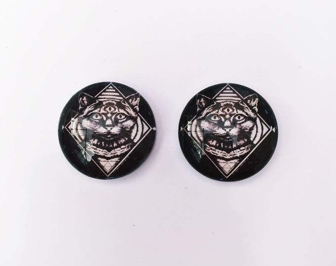 The 'Riley' Glass Earring Studs