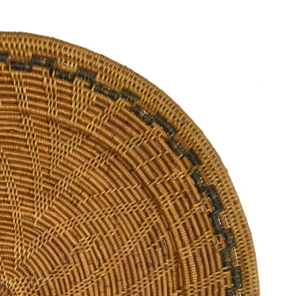Set Of 4 Rattan Charger Plates Flower Pattern Rustic