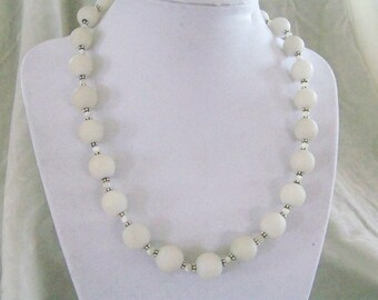 Natural Snow White Onyx and Silver Necklace with Earrings