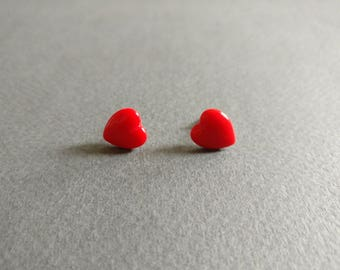 Hearts. Dainty natural red coral studs.