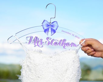 Bridal Shower Gift, Personalized Wedding Hanger, Bridal Hanger, Clear Acrylic Wedding Dress Hanger, Wedding Dress Hanger, Bride hanger TM003