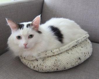 Slim modern cat bed - White Storm