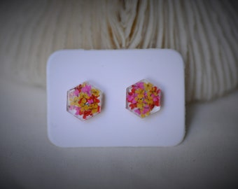 Real FLOWER Earring, HEXAGON Earring, Yellow / Red / Pink Flower Earring, Resin Earring ~ 9 mm