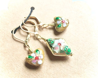 Removable Stitch Markers - Closable - Set of Three 3 - Golden Pink and Green Cloisonne Flowers on Hearts and Diamond - L50