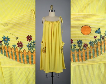 Vintage 1970s Terry Cloth Trapeze Dress with Cute Pockets | Adjustable Open Size