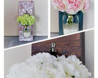 Wooden suspension of palettes - MASON jar and bouquet of peonies Shabby chic / country