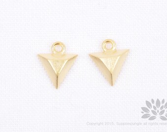 P746-MG// Matt Gold Plated Triangle Pendant, 2 pcs