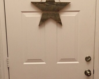 reclaimed wood star-wall decor