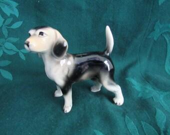 Vintage Beagle Figurine,   Show Stance