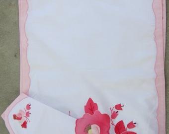 four appliqued placemats with napkins beautiful vintage linens
