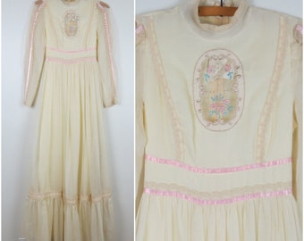 Vintage 1970s Gunne Sax Victorian Dress | Pale Yellow Maxi Dress - Bust 31 (B2)