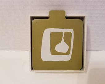 Retro colorful coaster set, 6 wooden coasters in white wooden holder. Modern designs. For your drinks, modern