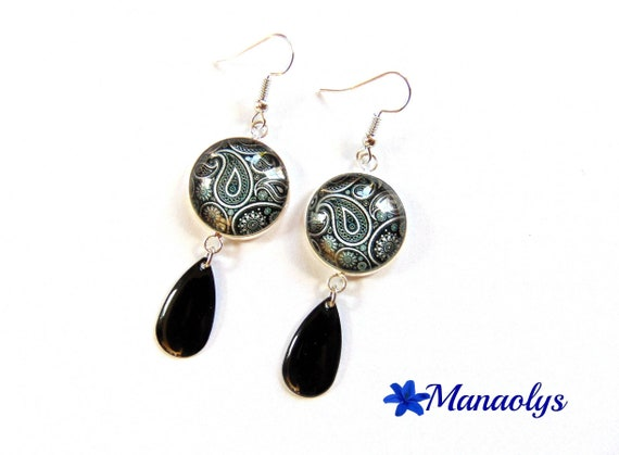 Paisley pattern black and white cabochons glass, drop charm earrings black enamel 2440