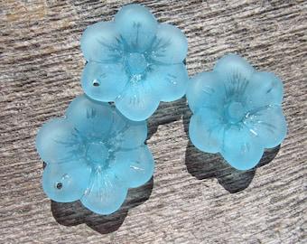Sea Glass Flower Pendant 25mm - Turquoise Bay Blue