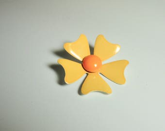 Vintage Yellow and Orange Enameled Mod Flower Brooch/Pin.