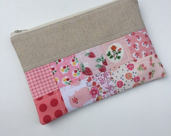 Scrappy Patchwork Pouch, Pencil Pouch, Zippered Pouch, Cosmetic Bag, Lined Pouch, Gift Idea, Ready to Ship