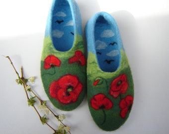 Beautiful poppy slippers Woman felt slippers Wool shoes Gift for Mom Felt poppy shoes, Floral shoes, Felt clogs, Red, Blue Green