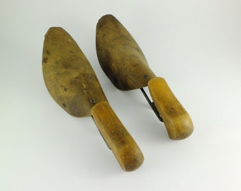 Vintage Pair of  Wooden Shoe Trees Shoe Form Stretchers Shoe Trees Gents Store Decor Dressing Room Decor Steampunk