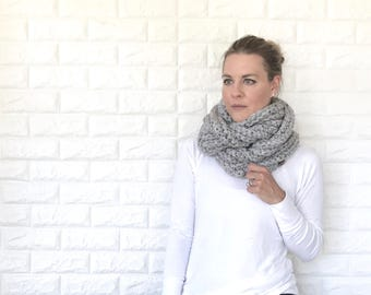 Chunky Crochet Ribbed Infinity Scarf | grey gray |  THE ANELLO